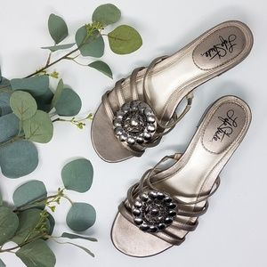 LIFE STRIDE Metallic Sandals 7.5 Medina